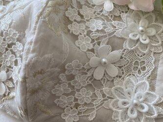 不織布が見えるマスクカバー金刺繍花柄グレージュフラワレースパール抗菌クレンゼ2waの画像