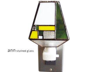 ステンドグラス フットライト F210829-YMの画像