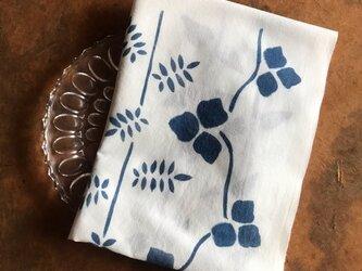 藍染め手ぬぐい  蔓ならびの画像