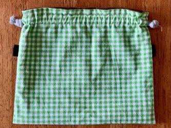 グリーンのギンガムチェックの巾着袋の画像