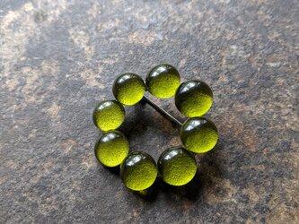 つぶつぶの輪ブローチ | matchaの画像