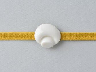 白磁の帯留・マッシュルームの画像