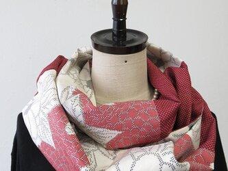 *アンティーク着物*花模様白大島紬のパッチスヌード(5マルキ)の画像