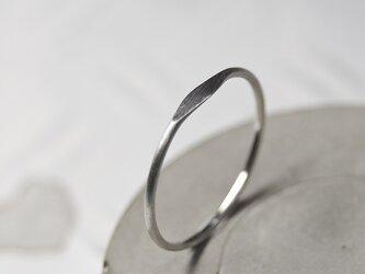つや消し PT900プラチナワンポイント槌目プレーンリング 1.0mm幅 マット|PT900 RING|578の画像