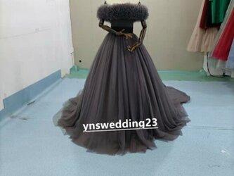 グレーカラードレス オフショルダーの2WAYドレス ロングトレーン パーティードレス お色直しの画像