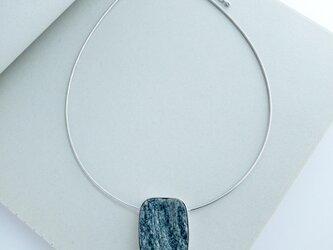 一点モノ・天然石マイカのシルバーペンダント【no.19001】の画像