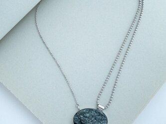 一点モノ・天然石マイカのシルバーペンダント【no.21046】の画像