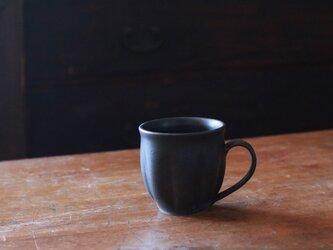 輪花マグカップ 黒の画像