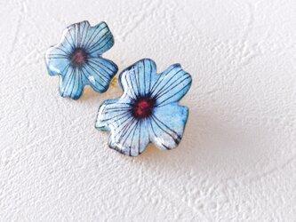 青い花セットブローチの画像