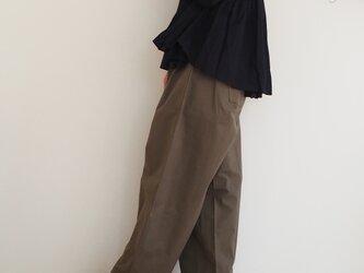 Organic cotton neps tuck wide pants KHAKIの画像