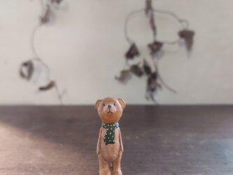 小さな小さなくまさん(木彫り)の画像