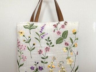 リネン 野の花刺繍 皮持ち手ラウンド手さげかばん 受注製作の画像