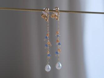 Glaður perla earring:淡水パール×ブルーサファイア×ヘソナイト ロングチェーン天然石ピアス・イヤリングの画像