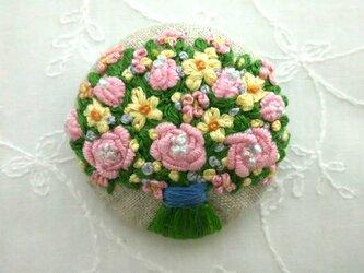 パステルカラーの花束②刺繍ブローチの画像