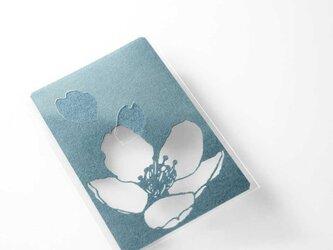 切り絵 カード しおり 名刺 桜 青グレーの色渋紙 1枚の画像