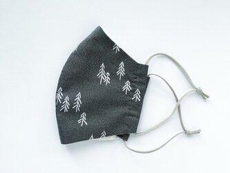 黒い森・白いモミの木 冬のやわらかコットンマスク 手縫いの画像