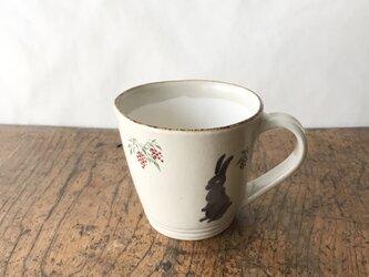 マグカップ 南天とウサギの画像