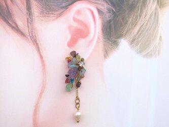 虹色パール 2way耳飾り (ピアス) ※イヤリング付け替え可の画像