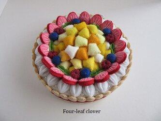 《直径16㎝》いちごとカットフルーツのケーキの画像