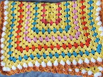 グラニースクエアの手編みブランケット☆オレンジとレモンの画像
