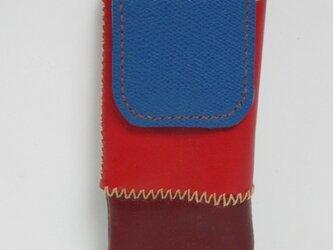 手縫い赤とエンジの牛革で出来た、メガネケース。の画像