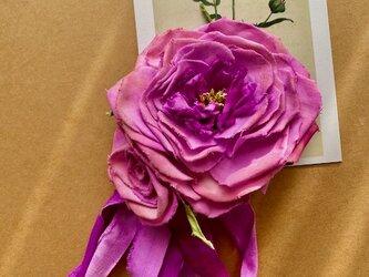 布花 大きな木綿のピンクローズコサージュの画像