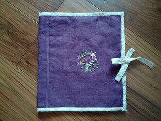 手刺繍☆ランジェリーポーチ☆リネン(紫)の画像
