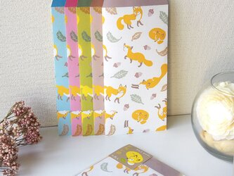 キツネのカラフルお祝い袋の画像