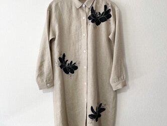 リネン・ロングシャツベージュ <黒牡丹>の画像