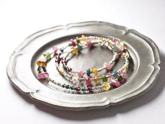 ハーキマーダイヤモンドとトルマリンとガーネット、インディゴブルービーズとカレンシルバーの華奢なネックレスの画像