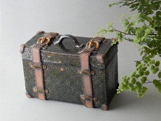 緑釉墨絵小紋スーツケース型小物入れの画像
