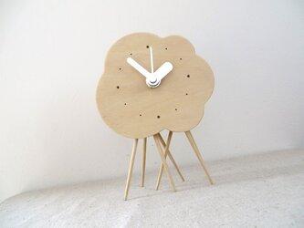 小さなくもの置き時計(雨足付)|basswoodの画像