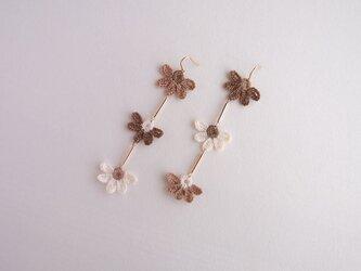 「ŞAKA ŞAKA」 -FLAT FLOWER PIERCE-  mocha brown mixの画像