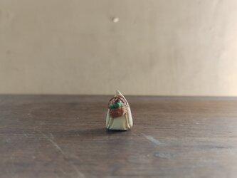小さな小さなサンタクロース 13(カゴ)の画像