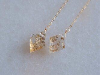 quartz with foil earring1:箔入りクリスタルクォーツピアス・イヤリング ロングチェーンの画像