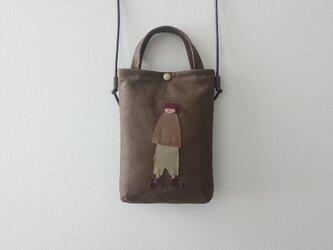 annco emboss leather pochette [brown]の画像
