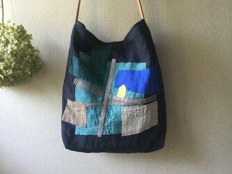 リネンのコラージュと刺し子のバッグ[『街歩きを楽しんで』の画像