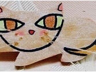 銀色のレディー猫(木工ブローチ)・IBー51の画像