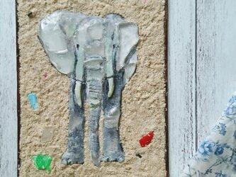 Seaglass & Plasticwaste Walldecoration 「ゾウ」の画像