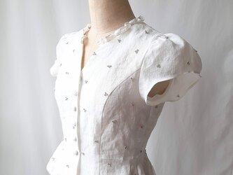 【Mサイズ リネン刺繍ブラウス】Candy / Whiteの画像