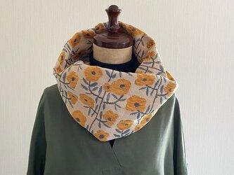 秋冬のファッションに華を添えてくれる.。.:*・おしゃれなゴブラン織りのスヌード♡フラワー柄 北欧調 花柄 イエローの画像