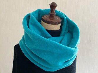 秋冬ファッションにアクセントカラーを☆.。.:*・差し色になる綺麗色スヌード♡ターコイズブルー ロングタイプの画像