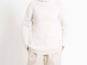 [タートルネック]手編み ウール100% クリームの画像