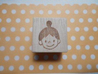 おだんご頭の女の子 (消しゴムはんこ)の画像