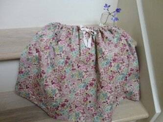 やわらかピンクの花柄ギャザースカート(女の子)の画像