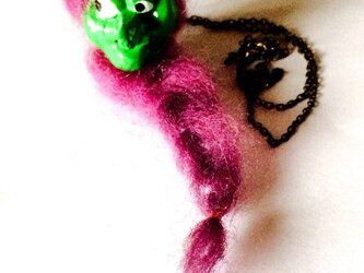 魔女のネックレスの画像
