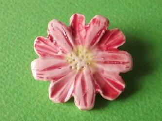 陶ブローチ-ピンクディジーの画像