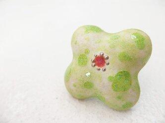 七宝ブローチ Powder of Flower 白緑の画像