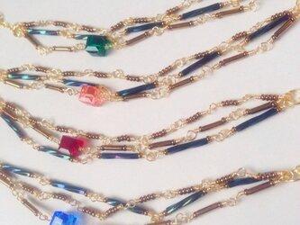 キラキラ3連ネックレス【レッド】の画像