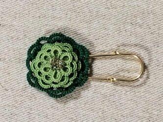 お花のブローチ〈ライトグリーン×グリーン〉*タティングレース*の画像